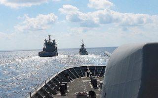 Πλοία του Πολεμικού Ναυτικού σε επιχειρησιακή εκπαίδευση στο Μυρτώο Πέλαγος.