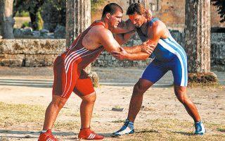 Ο Γιάννης Αρζουμανίδης (αριστερά) στο τουρνουά της Αρχαίας Ολυμπίας με αντίπαλο τον Γιώργο Κουτσιούμπα είχε... παλέψει για την παραμονή του αθλήματος στους Ολυμπιακούς Αγώνες.