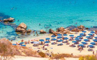 Με τα σημερινά δεδομένα, θεωρείται πολύ δύσκολο η Κύπρος να πιάσει τον στόχο για αφίξεις στο 25% των περυσινών (φωτ. Shutterstock).