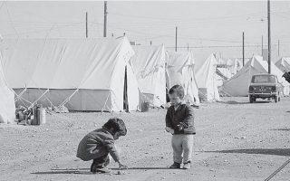 Η αποκατάσταση των 200.000 προσφύγων ήταν μείζων προτεραιότητα.