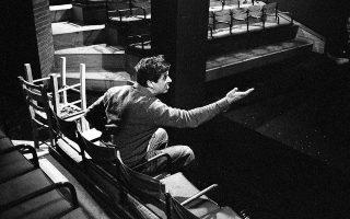 Oι κανόνες που έδινε στους ηθοποιούς ο Λευτέρης Βογιατζής δεν ήταν κανόνες τού πώς να παίζεις, αλλά τού «πώς να διαθέτεις τον εαυτό σου».