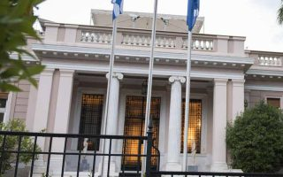 H κυβέρνηση θα παραλάβει την ερχόμενη εβδομάδα το αρχικό σχέδιο της έκθεσης της Επιτροπής Σοφών, υπό τον νομπελίστα Χριστόφορο Πισσαρίδη, για τη χρηματοδότηση από το ευρωπαϊκό πακέτο.
