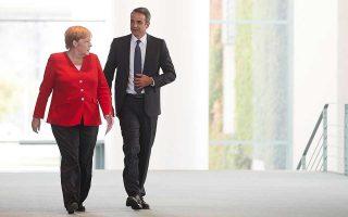 Η γερμανική προεδρία, όπως έχει καταστήσει σαφές και η Αγκελα Μέρκελ με τις πρωτοβουλίες της, επιθυμεί να λειτουργήσει ως καταλύτης προκειμένου Ελλάδα και Τουρκία να καθίσουν στο ίδιο τραπέζι. Στη φωτ. με τον πρωθυπουργό Κυριάκο Μητσοτάκη σε παλαιότερη συνάντησή τους. Φωτ. ΑΠΕ-ΜΠΕ / ΓΡΑΦΕΙΟ ΤΥΠΟΥ ΠΡΩΘΥΠΟΥΡΓΟΥ / ΔΗΜΗΤΡΗΣ  ΠΑΠΑΜΗΤΣΟΣ
