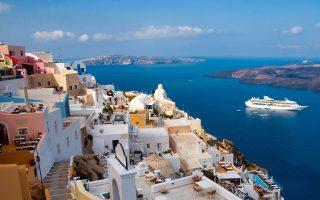 Σύμφωνα με στοιχεία της seetransparent.com, στην Ελλάδα οι κρατήσεις τουριστικών πακέτων βρίσκονται σε επίπεδο περίπου 30% κάτω από εκείνο του 2019, όπως και στην Ιταλία, ενώ στην Πορτογαλία εμφανίζουν μείωση κατά 50% και στην Ισπανία πτώση από 20% έως 25%.