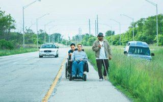 Ο Σκότι, ο Ματ και ο Μο είναι τρεις νεαροί άνδρες, με διαφορετικούς βαθμούς αναπηρίας και ένα κοινό πρόβλημα: είναι όλοι τους παρθένοι, κάτι το οποίο σκοπεύουν να αλλάξουν με ένα ταξίδι στο Μόντρεαλ του Καναδά, όπου ένας ειδικευμένος οίκος ανοχής προσφέρει τις σχετικές υπηρεσίες.