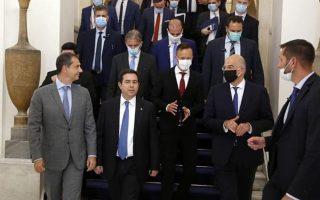 Θεοχάρης - Μηταράκης: ατρόμητοι στα... εισαγόμενα κρούσματα.