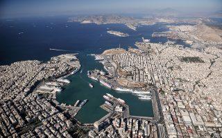 Ο Πειραιάς είναι το τέταρτο λιμάνι στην Ευρώπη σε εμπορευματική κίνηση και το μεγαλύτερο σε αριθμό αφίξεων και αναχωρήσεων πλοίων.