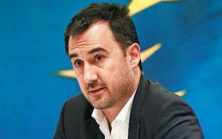 «Εάν η κυβέρνηση, υπό το βάρος του αδιεξόδου στο οποίο εγκλωβίζεται και εγκλωβίζει και τη χώρα, προχωρήσει σε εκλογές, ο ΣΥΡΙΖΑ είναι έτοιμος», λέει ο εκπρόσωπος Τύπου του ΣΥΡΙΖΑ Αλέξης Χαρίτσης (Φωτ. ΑΠΕ-ΜΠΕ / ΑΛΕΞΑΝΔΡΟΣ ΒΛΑΧΟΣ).