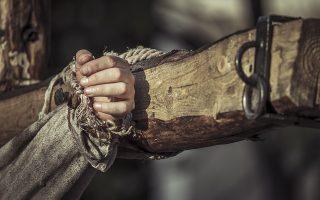 Ο Χριστός της Νοτόμπ είναι τόσο βαθιά ανθρώπινος, που πονούν τα μέλη σου αγγίζοντας τις λέξεις του. Τόσο σάρκινος, που χάνει κάθε ικμάδα και πόρο δέρματος μέσα στην ανθρώπινη διάστασή του, όχι στη θεϊκή (Φωτ. SHUTTERSTOCK).