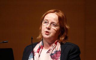 Η κ. Βέλμπρεκ - Ρότσα αναφέρει ότι οι φόροι στην Ελλάδα «είναι μεταξύ των υψηλοτέρων, αλλά όχι οι υψηλότεροι στην Ευρώπη».