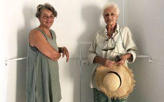 Η Λίζυ Καλλιγά (αριστερά) και η Λήδα Παπακωνσταντίνου.