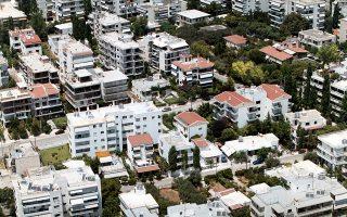 Οι εξελίξεις για το νέο πλαίσιο προστασίας της πρώτης κατοικίας προμηνύουν ένα δύσκολο δεκαήμερο διαπραγματεύσεων των δύο πλευρών, με την εμπλοκή και των θεσμών.