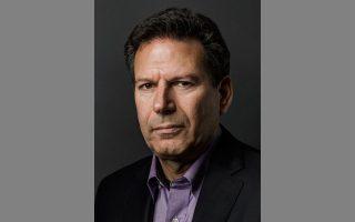«Η παρουσία των Κινέζων, που είναι ένας τόσο διαφορετικός πολιτισμός, δεν αποτελεί απειλή για το κράτος δικαίου στην Ελλάδα. Με τη Ρωσία, που είναι πολιτισμικά πιο κοντά, ο κίνδυνος θα ήταν μεγαλύτερος», λέει ο Αμερικανός συγγραφέας και αναλυτής Ρόμπερτ Κάπλαν.