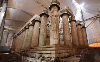 Η πρόσκληση του ΕΠΑΝΕΚ έχει προϋπολογισμό 13 εκατ. ευρώ και μέχρι τον Μάρτιο αναμένεται να ενταχθούν και άλλα έργα για μνημεία της UNESCO, όπως εργασίες στην Ακρόπολη Αθηνών και στο Μουσείο της Δήλου.