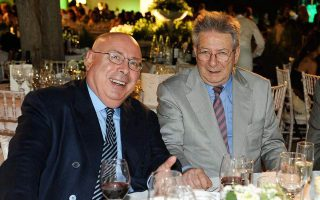 Σε φωτογραφία του 2008 ο Μιχάλης Κατσίγερας με τον Αντώνη Καρκαγιάννη.
