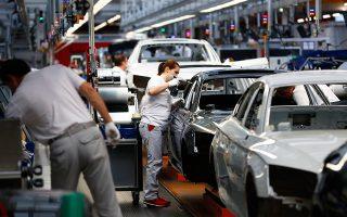 Οι συνθήκες άρχισαν να επιδεινώνονται αισθητά για τις γερμανικές αυτοκινητοβιομηχανίες το β΄ εξάμηνο του 2018 λόγω της πτώσης των πωλήσεων. Η Daimler ανήγγειλε μείωση των μερισμάτων, η BMW αναθεώρησε προς τα κάτω τις προβλέψεις κερδοφορίας για πρώτη φορά ύστερα από χρόνια, η Audi μειώνει την παραγωγή της και δρομολογεί την απόλυση του 10% από το διοικητικό προσωπικό της.