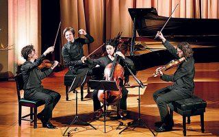 Από την ποιότητα των ερμηνειώνφαινόταν ότιτοκουαρτέτο«Κορνέιγ»είχεασχοληθεί σοβαρά με τα μουσικά κείμενα, προχωρώντας πέρα από το πρώτο επίπεδο ανάγνωσης.