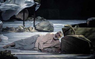 Ο βαρύτονος Τάσης Χριστογιαννόπουλος ήταν μουσικά και σκηνικά απολαυστικός στον κεντρικό ρόλο. Φωτ. Σταυρος Χαμπακης