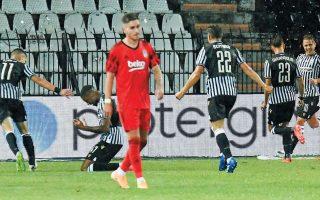 Ο 18χρονος Χρήστος Τζόλης (11) με δύο γκολ και μία ασίστ έστειλε τον ΠΑΟΚ στην επόμενη φάση και τον προπονητή του σε πελάγη ευτυχίας. (Φωτ. REUTERS / Alexandros Avramidis)