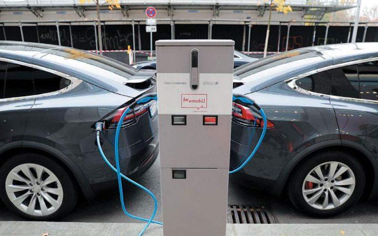 ΥΠΕΝ: Τα βήματα για την αίτηση επιδότησης αγοράς ηλεκτρικού οχήματος