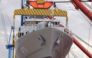 Η ONEX, που λειτουργεί ως στρατηγικός επενδυτής στο εγχείρημα της αναδιάρθρωσης των ναυπηγείων, ετοιμάζεται να υποβάλει δημόσια πρόταση για την εξαγορά των μετοχών της εισηγμένης Νεώριον Α.Ε., που δεν ελέγχει ακόμη.