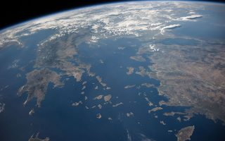 H Eλλάδα, το Αιγαίο και η Τουρκία όπως φαίνονται από το Διάστημα (από τον Διεθνή Διαστημικό Σταθμό). Φωτ. NASA