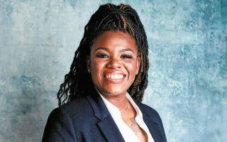 Στα προάστια του Σεν Λούις στο Μιζούρι, οι ψηφοφόροι του Δημοκρατικού Κόμματος επέλεξαν ως υποψήφια βουλευτή τη μαύρη νοσηλεύτρια Κόρι Μπους.