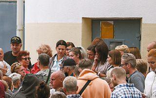 Συγγενείς και υποστηρικτές των συλληφθέντων στις διαδηλώσεις εναντίον της εκλογικής νοθείας ανησυχούν για την τύχη τους (φωτ. EPA).