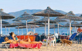 Η επιβολή ή μη καραντίνας στους τουρίστες που επιστρέφουν στις χώρες τους είναι καθοριστική για την πορεία του ελληνικού τουρισμού. Χθες η TUI, μετά την απόφαση των φινλανδικών αρχών να επιβάλουν 15νθήμερη καραντίνα για τους Φινλανδούς που γυρίζουν από την Ελλάδα, ανακοίνωσε ακύρωση όλων των πτήσεών της έως τις 7 Σεπτεμβρίου.