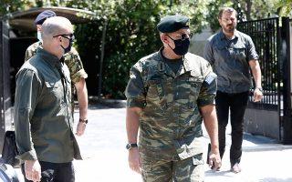 Με τη στολή παραλλαγής προσήλθε στη χθεσινή συνεδρίαση του ΚΥΣΕΑ ο αρχηγός ΓΕΕΘΑ στρατηγός Κωνσταντίνος Φλώρος, o οποίος αποχωρώντας από το Μέγαρο Μαξίμου ανέφερε: «Ολα καλά. Ολα θα πάνε καλά».