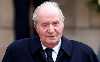 FILE PHOTO: Former Spanish king, Juan Carlos, leaves after attending the funeral ceremony of Luxembourg's Grand Duke Jean at the Notre-Dame Cathedral in Luxembourg, May 4, 2019. REUTERS/Francois Lenoir/File Photo