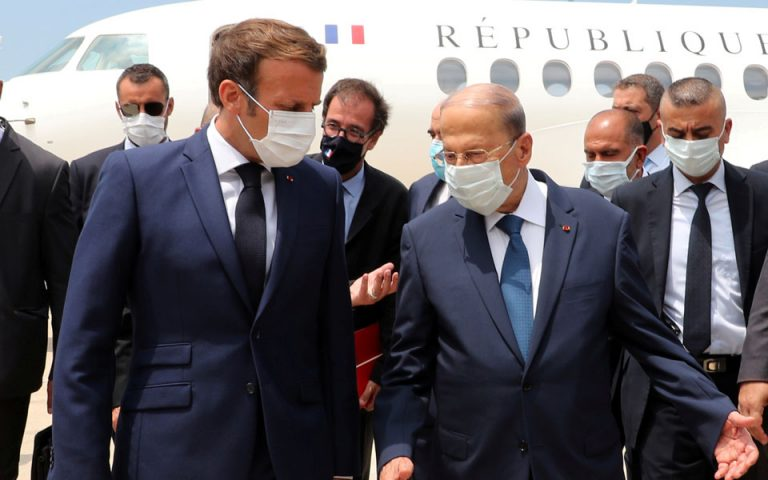 Λίβανος: Οργισμένοι πολίτες καλούν τον Μακρόν να εκδιώξει τους κυβερνώντες