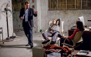 Ο Νόλαν, προ δεκαετίας στα γυρίσματα του «Inception», εξηγεί τι έχει στο μυαλό του στον Ντι Κάπριο και την Έλεν Πέιτζ. ©AFP/visualhellas.gr