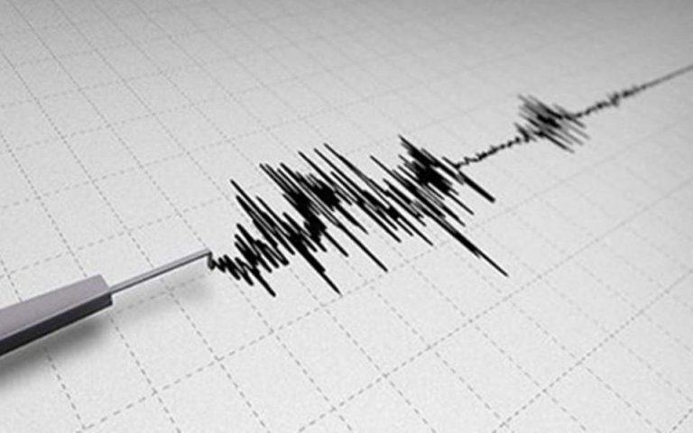 Σεισμική δόνηση 6,9 Ρίχτερ στην Ινδονησία