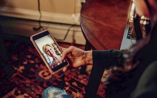 Η εφαρμογή δίνει πληθώρα εργαλείων για να επεξεργαστεί κανείς την εικόνα του στα βίντεο που δημιουργεί. © Charlotte Kesl, Tony Luong/The New York Times