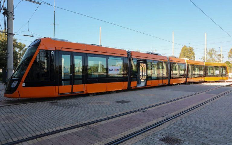 parelifthisan-oi-protoi-apo-toys-25-neoys-syrmoys-tram-2394814