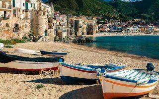Η Βιγκάτα στη Σικελία, η γενέτειρα του επιθεωρητή Σάλβο Μονταλμπάνο, είναι μια φανταστική πόλη. Ωστόσο, οι περιγραφές του Αντρέα Καμιλλέρι την έχουν καταστήσει οικεία στους φανατικούς αναγνώστες του. Φωτ. SHUTTERSTOCK