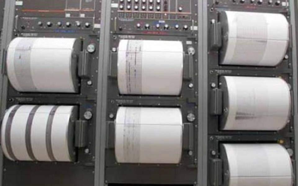 seismos-4-2-richter-ston-korinthiako-amp-8211-aisthitos-stin-attiki0
