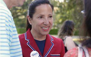 Στις αμερικανικές εκλογές «διακυβεύονται όλα όσα αγαπώ και θεωρώ σημαντικά ως Ελληνοαμερικανίδα, πατριώτισσα και πρώην πρέσβειρα των ΗΠΑ σε άλλη χώρα», λέει η αντικυβερνήτης της Καλιφόρνιας, Ελένη Κουναλάκη. (Φωτ. A.P. / Rich Pedroncelli)