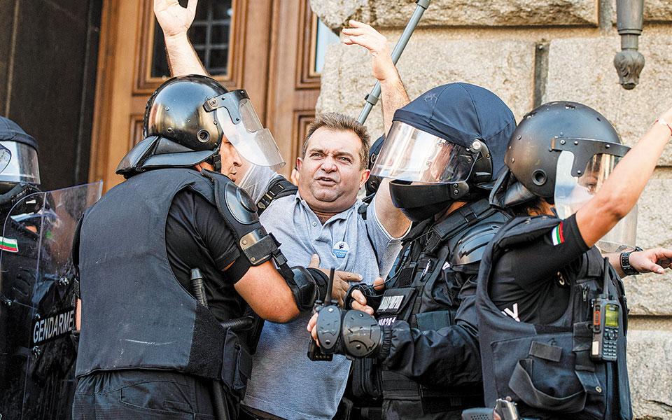 «Τσουνάμι» διαδηλώσεων στη Βουλγαρία
