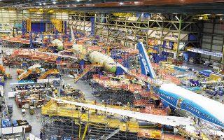 Η αεροναυπηγική εταιρεία ανέφερε ότι στο εργοστάσιό της στη Νότια Καρολίνα κατασκεύαζε εξαρτήματα για το πίσω μέρος της ατράκτου του Dreamliner 787, τα οποία δεν ανταποκρίνονταν ούτε στον αρχικό σχεδιασμό τους ούτε στις μηχανικές προδιαγραφές του αεροσκάφους.