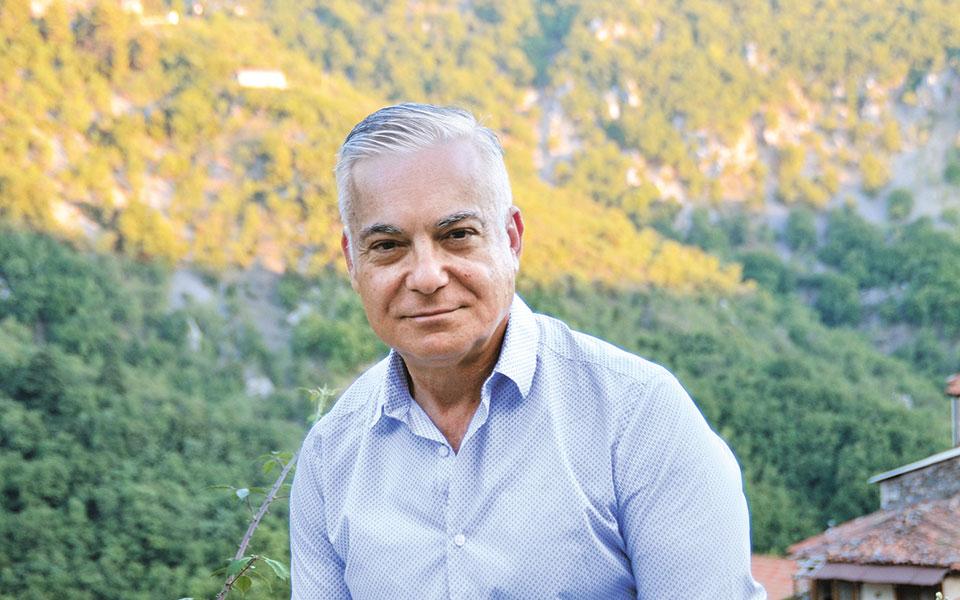 Ο συνάδελφος Νίκος Βατόπουλος θα είναι «οδηγός» στην περιήγηση.