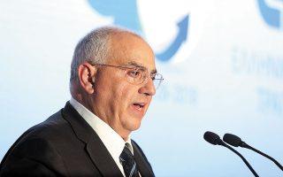 Στόχος της προσπάθειας, όπως σημειώνει ο κ. Καραμούζης, είναι να τεθεί η ελληνική οικονομία σε διατηρήσιμη και ισχυρή αναπτυξιακή τροχιά, δημιουργώντας εισοδήματα, ευκαιρίες, ευημερία και πλούτο για τους πολλούς (φωτ. ΑΠΕ).