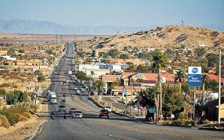Πολλοί Αμερικανοί μοιάζει να έλκονται από σημεία υψηλού περιβαλλοντικού κινδύνου, επιλέγοντας ως κατοικία τους την έρημο.