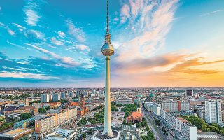 O αριθμός των ανέργων στη Γερμανία εκτιμάται ότι θα ανέλθει φέτος στα 2,7 εκατομμύρια, θα σημειώσει, δηλαδή, αύξηση κατά 400.000 άτομα.