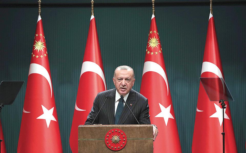 Υπό τον Τούρκο πρόεδρο Ταγίπ Ερντογάν συνεδρίασε χθες επί τέσσερις ώρες το Συμβούλιο Εθνικής Ασφαλείας (φωτ. A.P.).