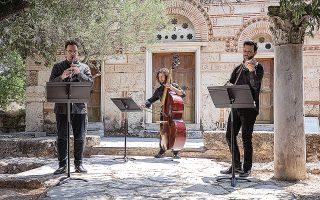 «Επιθυμία μας είναι να τιμήσουμε την ελληνική μουσική δημιουργία, από την κρητική Αναγέννηση έως και σήμερα», λέει ο Γιώργος Κουμεντάκης.