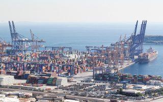 Κατά τη διάρκεια του α΄ εξαμήνου του 2020 κατεγράφη αύξηση εσόδων από τη διακίνηση εμπορευματοκιβωτίων κατά 17,8% και από ναυπηγοεπισκευαστικές εργασίες κατά 21,8%.