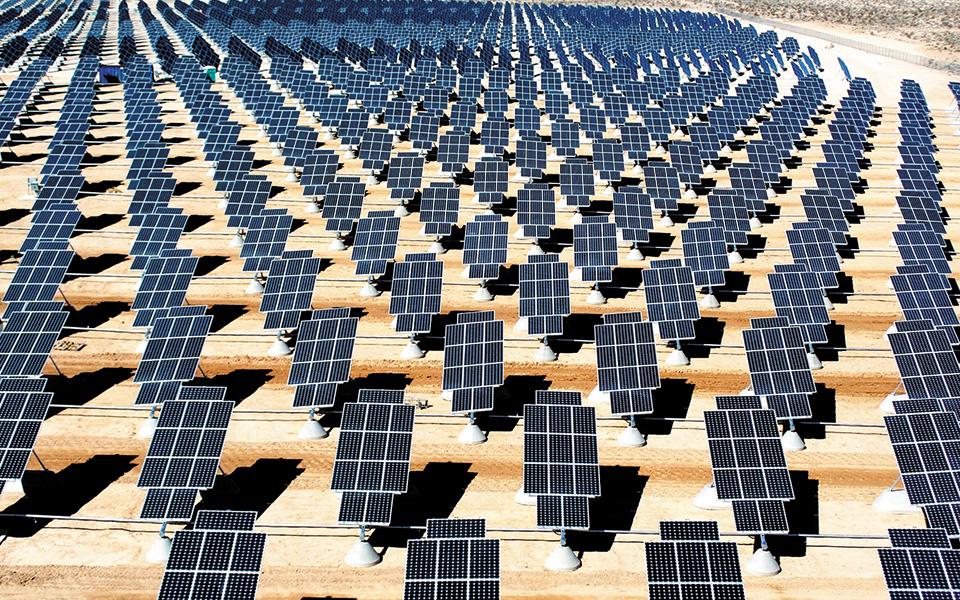 Η γαλλική εταιρεία Akuo Energy International είναι έτοιμη να διευρύνει την παρουσία της στην Ελλάδα με πρόσθετες επενδύσεις σε φωτοβολταϊκά πάρκα συνολικής ισχύος 1.034 MW, ανεβάζοντας τα συνολικά κεφάλαια που θα διαθέσει στη χώρα μας κοντά στο 1 δισ. ευρώ.