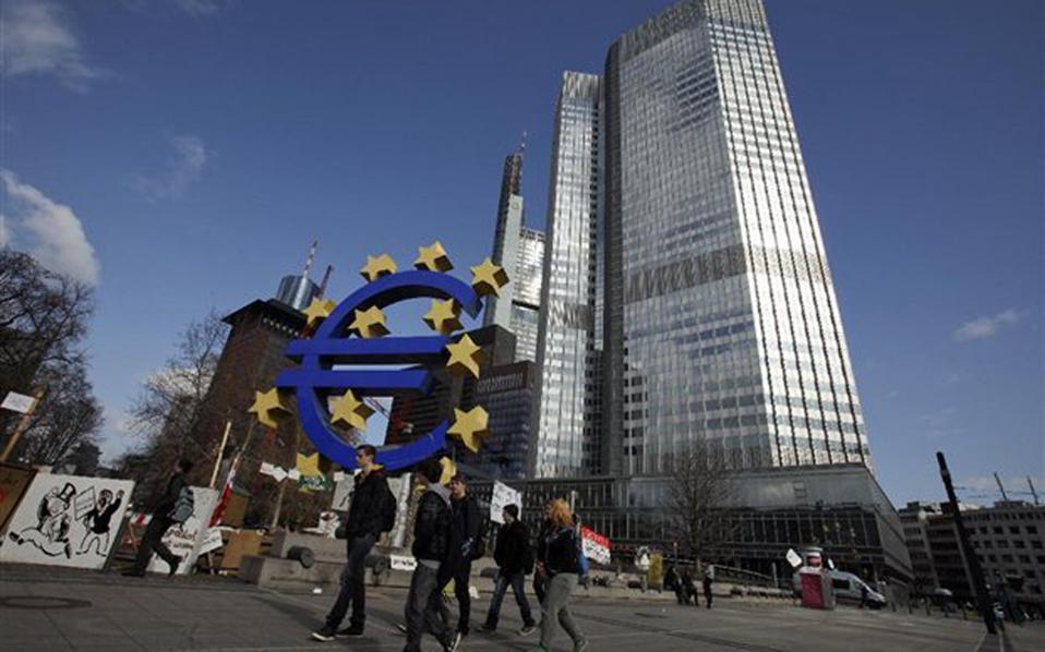 Και όμως, το ισχυρό ευρώ δεν είναι το μεγαλύτερο πρόβλημα της ΕΚΤ